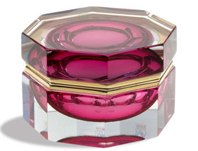 Ruby Murano Glass Octagonal edges shaped Jewelry Box with edges. By Mandruzzato family. Gettable in 3 different sizes. M size in stock.